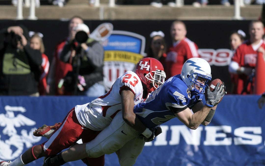 College Football Live Streaming to be Tested in Cars